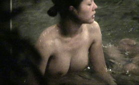 stunning-japanese-babe-with-perfect-big-hooters-takes-a-bath